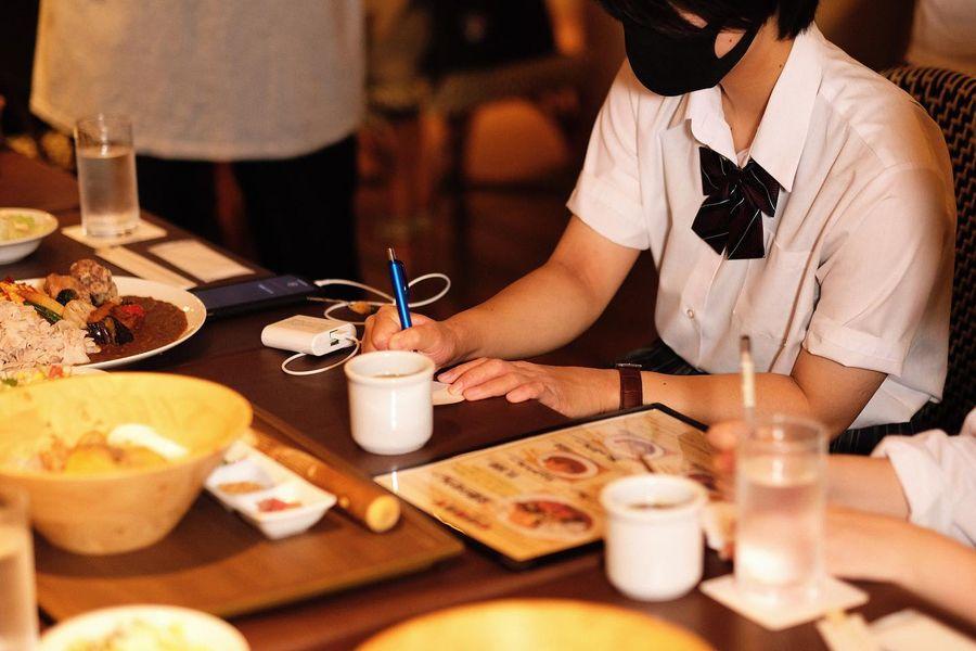 「みなと総合高等学校」の授業「総合的な探究の時間」にて「横浜ビール」が三年生グループの方が企画された「シャッターを閉めさせない。」について一緒に取り組みました。